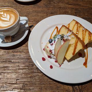 デザートセット(シフォンケーキ)(グローブ・カフェ (GLOBE CAFE))