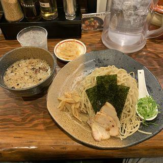 つけ麺モツ(ラーメン 龍の家 新宿 小滝橋通り店 (RAMEN TATSUNOYA))