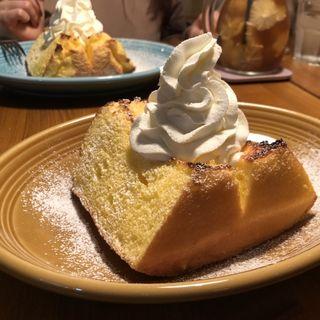 シフォンケーキのトースト(松濤カフェ)