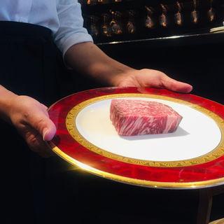 鹿児島黒毛和牛シンタマのレアステーキ