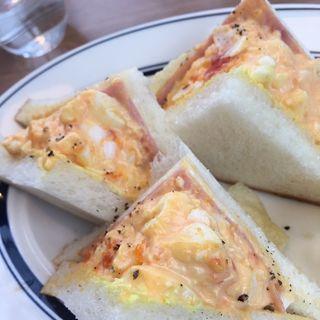 半熟卵のサンドウィッチ(オニジャス コーヒー ヴィレッジ (ONIJUS COFFEE VILLAGE))