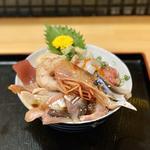 海鮮丸笑丼