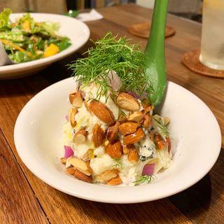 ブルーチーズとアーモンドのポテトサラダ(think食堂 (シンクショクドウ))