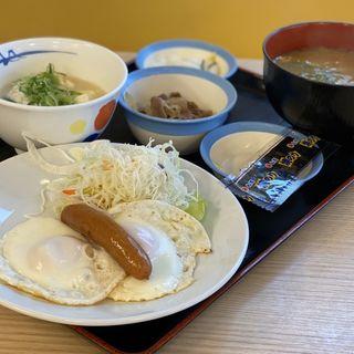 エッグW定食 豚汁・湯豆腐変更