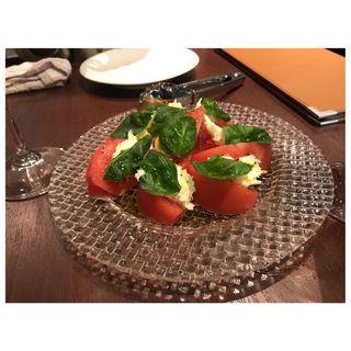 トマトとモッツァレラのパンツァネッラ