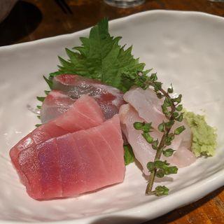 天然地魚の刺身盛り(魚屋 がぶ )