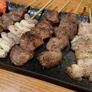 串焼き5本盛り(もつ焼き煮込みてら川 (モツヤキニコミテラカワ))