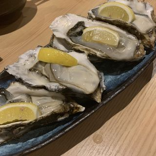 生牡蠣(魚・炭・酒 おはし二日町)