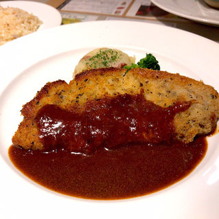 豚ロース肉の香草パン粉焼き(マトリョーシカ マルイシティ上野店 )