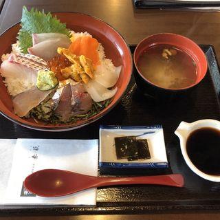 海鮮丼 来萩スペシャル
