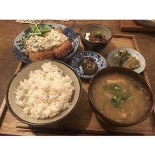 高野豆腐のフライ 自家製タルタルソース定食(ごはんと雑貨 mokuji)