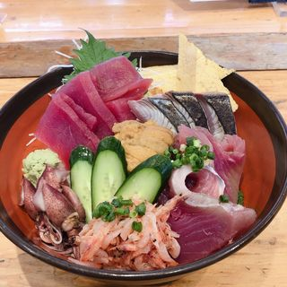 海鮮丼(若鮨 本店)