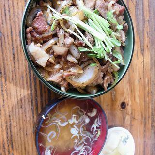 肉丼(お食事処 ぼんち (ぼんち食堂))