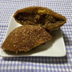 角切り牛肉の欧風カレーパン