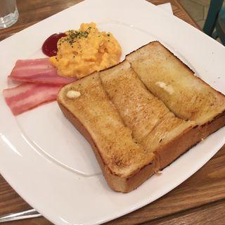 バタートーストエッグセット(ハミングカフェ バイ プレミーコロミィ ecute上野店 (Humming Cafe By Plame Collome))