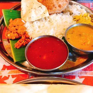 Lunch Menu ランチミールス(ベジ)(南印度ダイニング ポンディバワン 武蔵新田 (PondyBhavan))