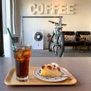 いちごとマンゴーのヨーグルトケーキ(コーヒースタンド28)