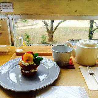 お花のケーキ(ソビノワ)
