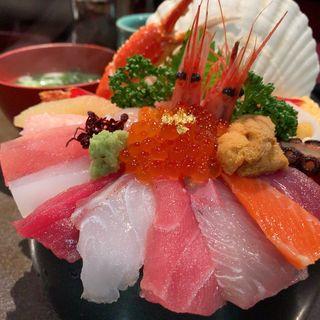 海鮮丼 (山さん寿司 本店 )