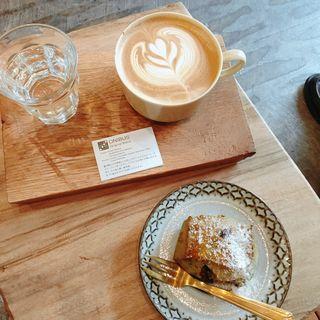 ラテ(オニバスコーヒー (ONIBUS COFFEE))