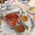 世界一の朝食(生コンフィチュールと栗の花のはちみつ)