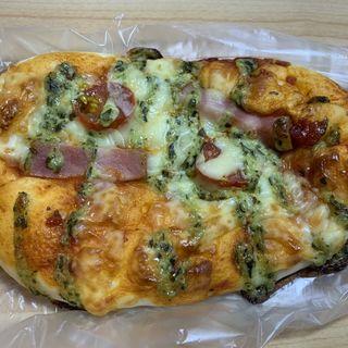 トマトとバジルのピザ(石井屋 (いしいや))