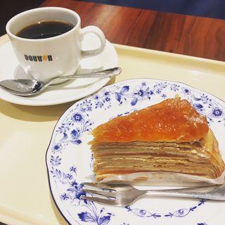 国産りんごとカラメルのミルクレープ(ドトールコーヒーショップ 湯島春日通り店 )