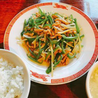 青椒肉絲(タイガー餃子軒 広尾店)