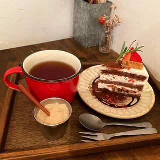 イチゴのショコラショートケーキ(SOROR )