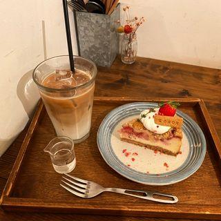 ベイクドストロベリーチーズケーキ(SOROR )