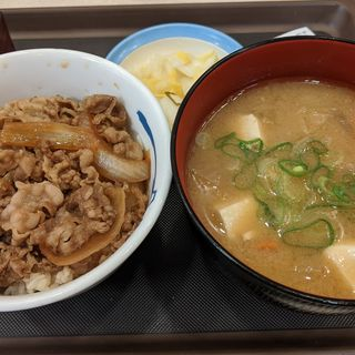 得朝ミニプレミアム牛めし豚汁セット(松屋 新大阪東口店 )