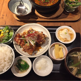 瓦和定食(kawara CAFE&DINING 仙台 (カワラ カフェアンドダイニング))