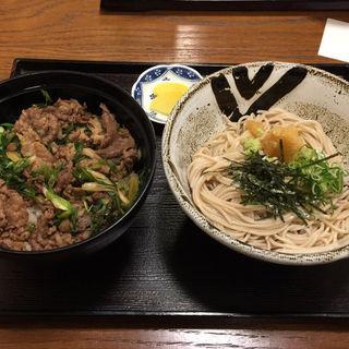 肉丼とミニおろし蕎麦(そば処花りん)