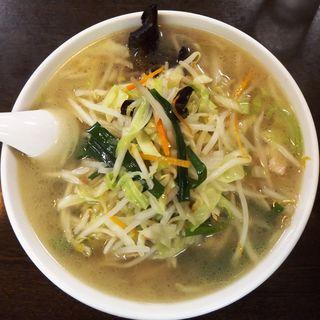 タンメン(野菜たっぷり太麺)(中華成喜)