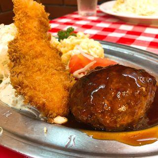 昔風ハンバーグ&サーモンフライ(洋食大吉)
