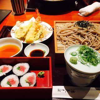 天ぷら蕎麦+ネギトロ巻き(蕎麦しゃぶ総本家浪花そば 北浜店 )