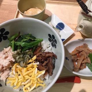 奄美大島 鶏飯風だし茶漬け(だし茶漬け えん 新丸ビル店 (だしちゃづけ えん))