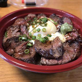 牛さがりステーキ丼 竹(炭火焼肉バルAGITO HIRAO)