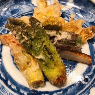 山菜の天ぷら(あき山)
