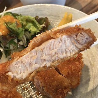 厚切りロースかつ定食(ランチ営業限定メニュー)(肉山 名古屋 )