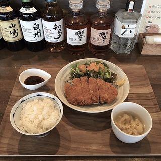 厚切りロースかつ定食(ランチ営業限定メニュー)