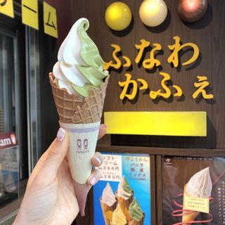 バニラ&抹茶ミックスソフトクリーム(ふなわかふぇ 自由が丘 )