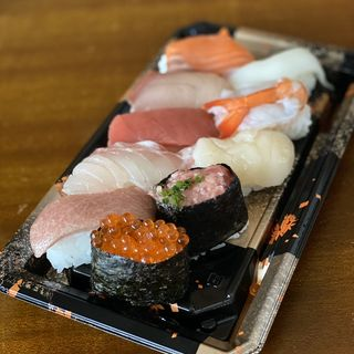 貫 寿司 10 寿司1貫の糖質量はどのくらい?糖質制限中に太らないためには?