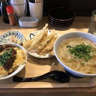 かまわんセット(スジ玉丼+ポテサラ+かけ)+ゴボウ天(かまわん )