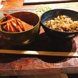 和牛煮込み高菜ガーリックライス&伊勢海老のお椀(鉄板焼  炭焼  さいとう)