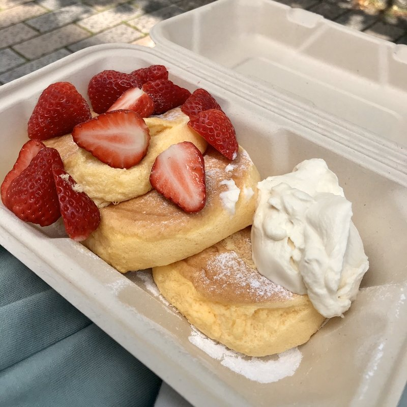 テイクアウト 奇跡のパンケーキ ストロベリー