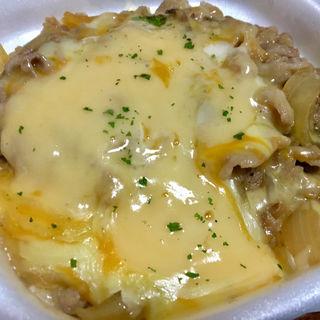 とろ〜り3種のチーズ牛丼 中盛(すき家 仙台水の森店 )