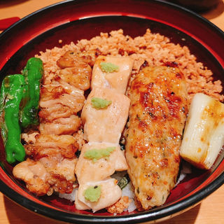 炭火焼鳥そぼろ丼(鶏味座 京橋エドグラン店)