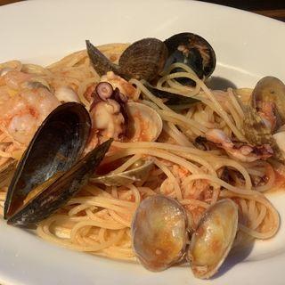 海の幸のトマトソーススパゲティーニ(ピッツェリア ポンテチェントロ)