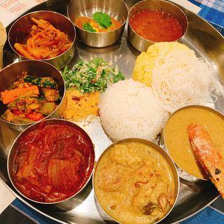 3種カリー(東インドチキンカリー、フィッシュカリー、かぶのダールカリー)(東西香味咖喱商会)
